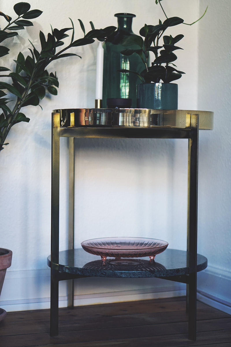Interiør: <strong>Ox Denmarq bar bord</strong> i messing og marmor 13