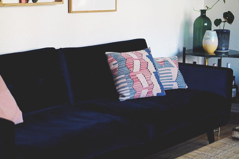 Interiør: Vores blå <strong>velour sofa</strong> fra Sofakompagniet 5