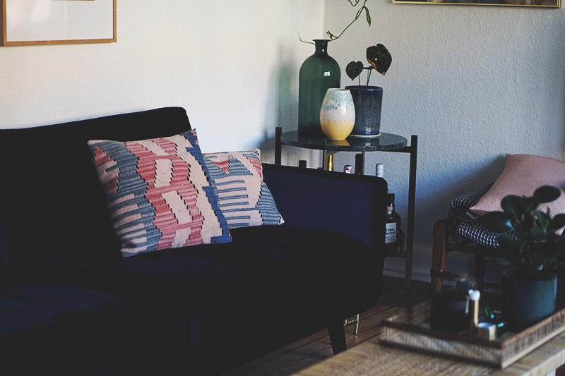Interiør: Vores blå <strong>velour sofa</strong> fra Sofakompagniet 3