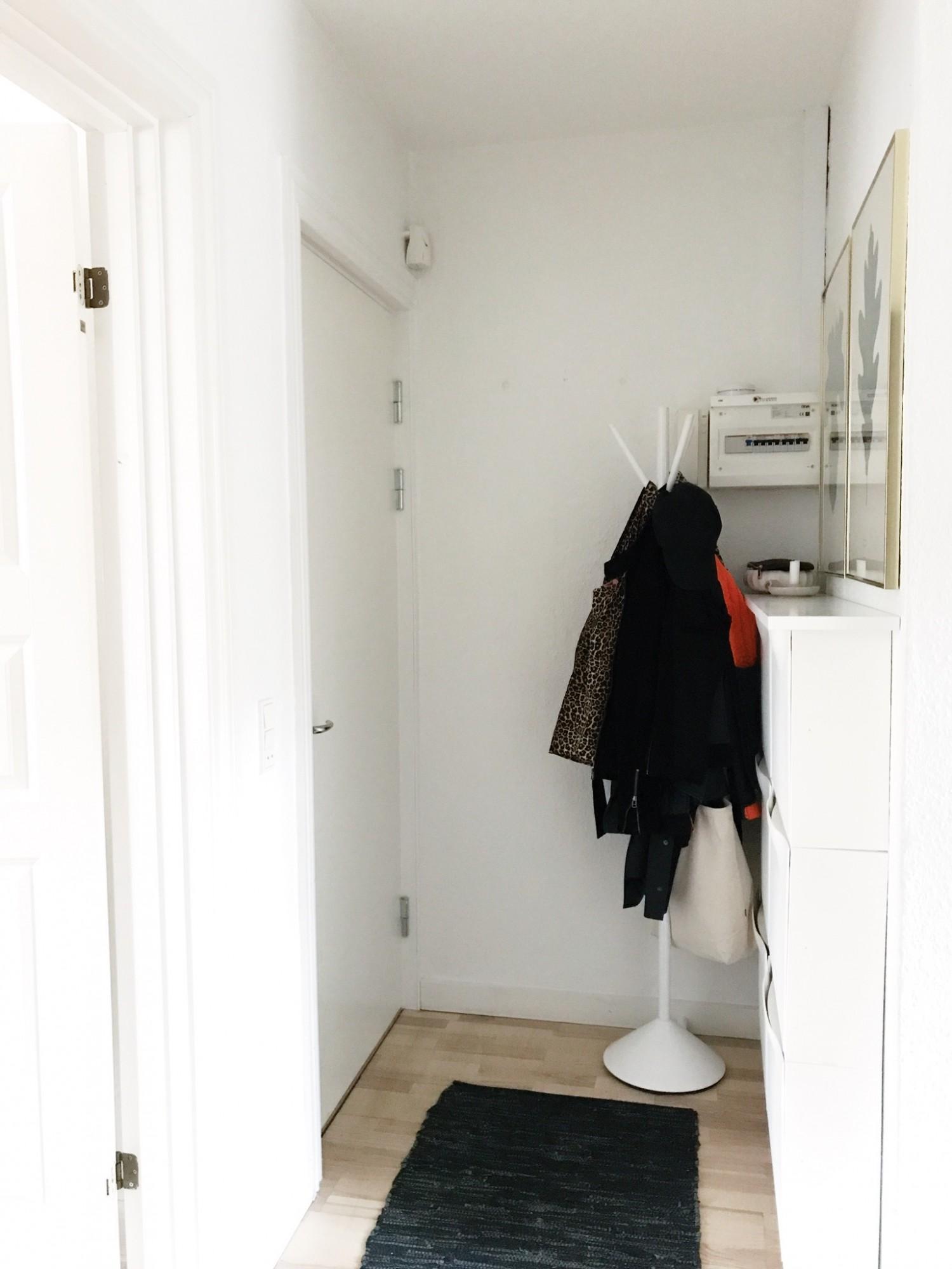 Picture of: Entre Makeover Mobler Til Den Lille Entre Ditteblog