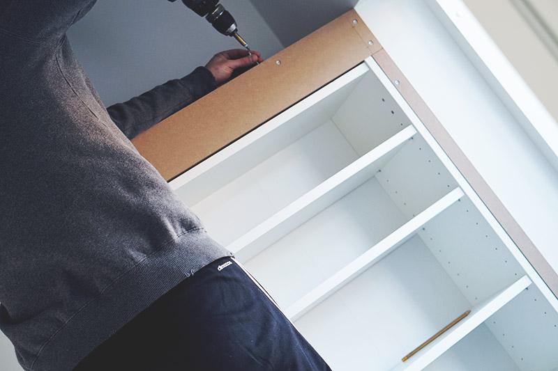 IKEA HACK: <strong>DIY guide</strong> til indbyggede garderobeskabe med PAX og Billy 31