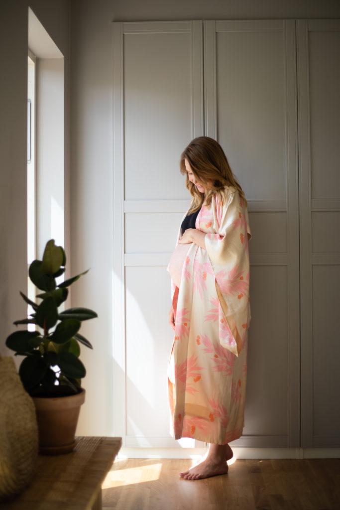 Graviditet: Om <strong>fødselsforberedelse, ammehjælp, slyngevejledning og velvære</strong> i graviditeten 5
