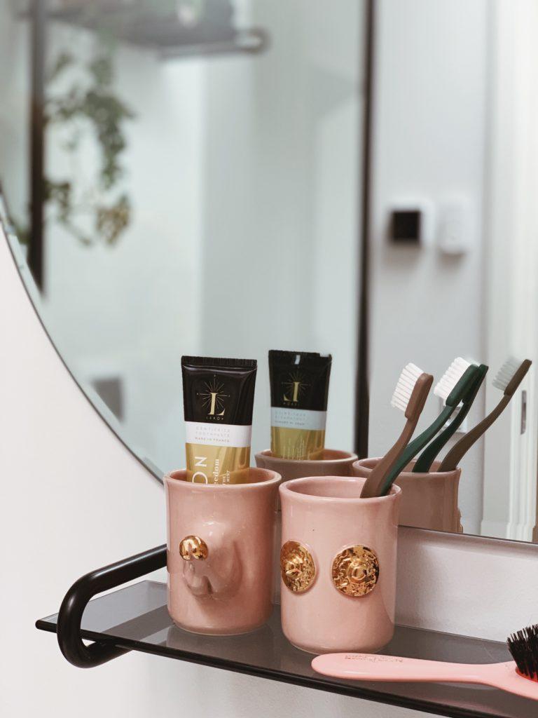 Vores badeværelse: Sorte detaljer med <strong>Knud Holscher</strong> serien 10