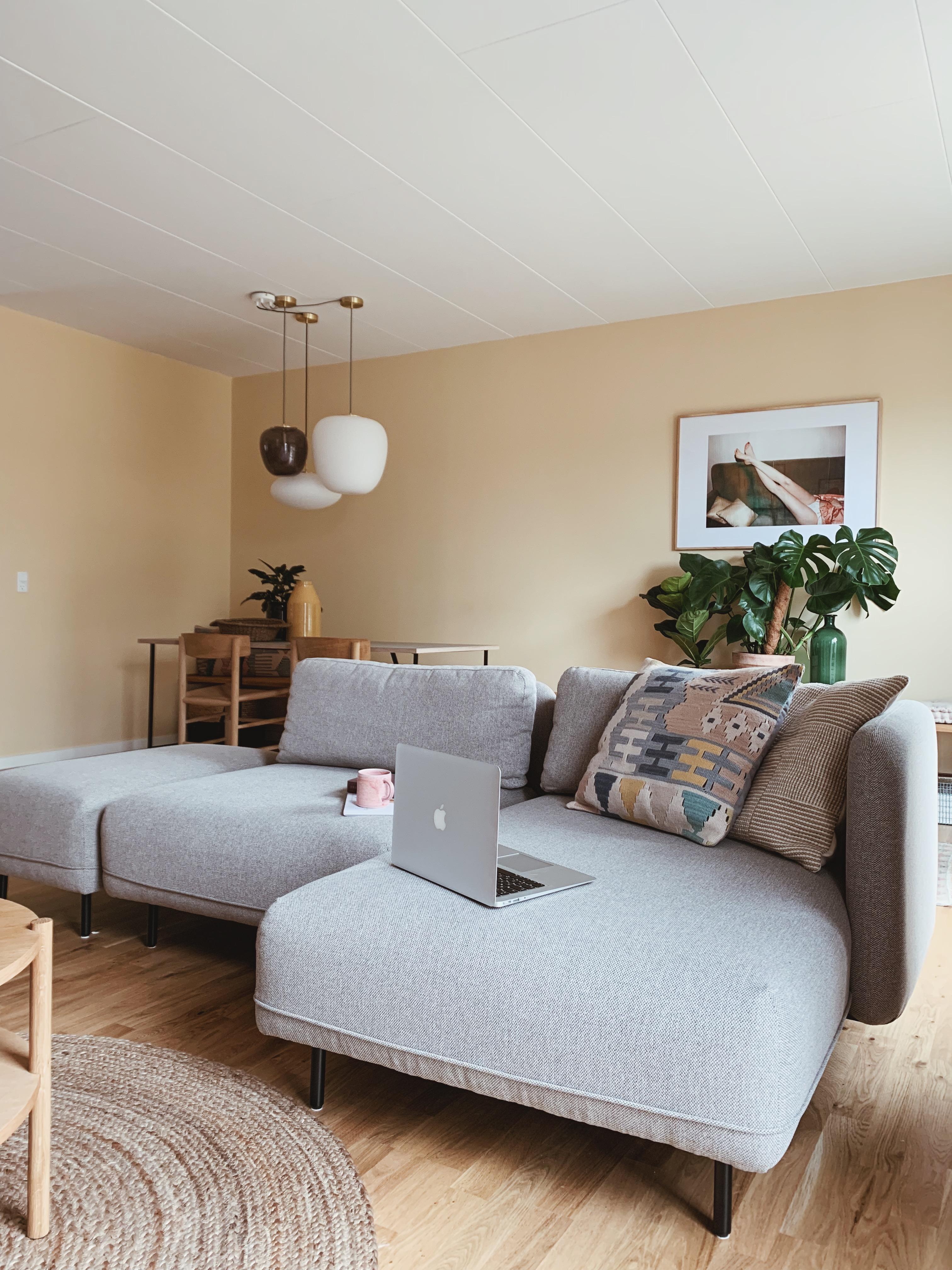 Ellis sofa