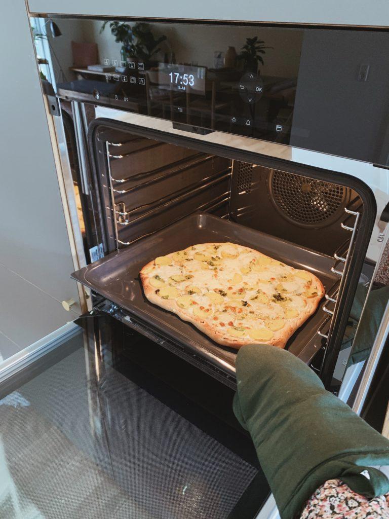 Pizza Fredag - Opskrifter på mine <strong>favorit pizzaer</strong> og tilbehør 13