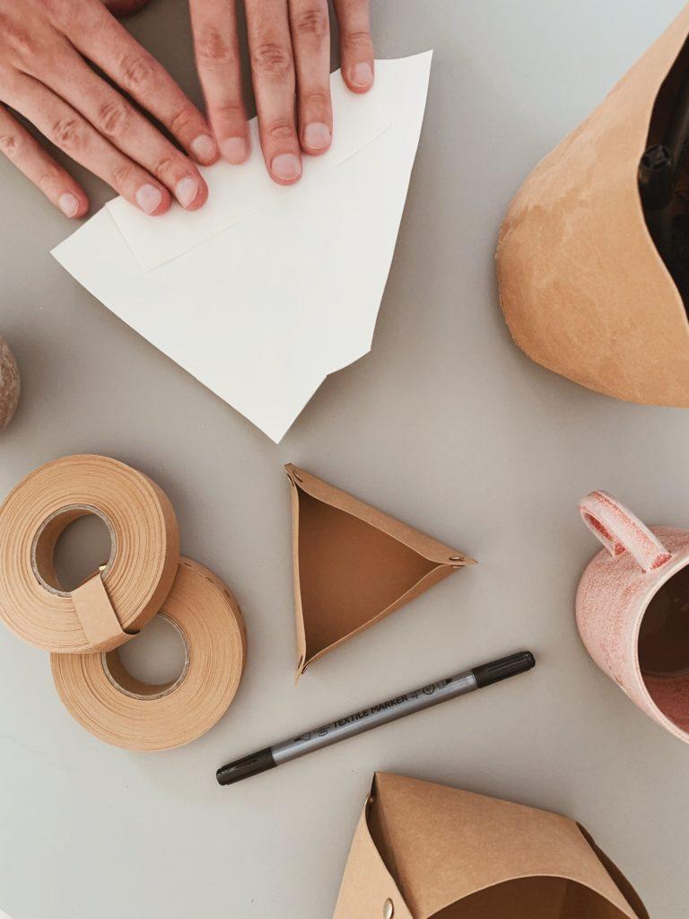 DIY: <strong>Kontor detaljer</strong> med læderpapir 5