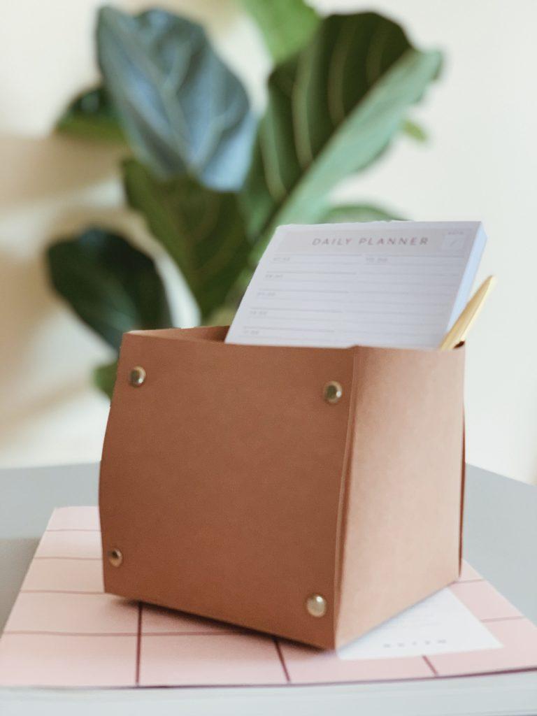 DIY: <strong>Kontor detaljer</strong> med læderpapir 15