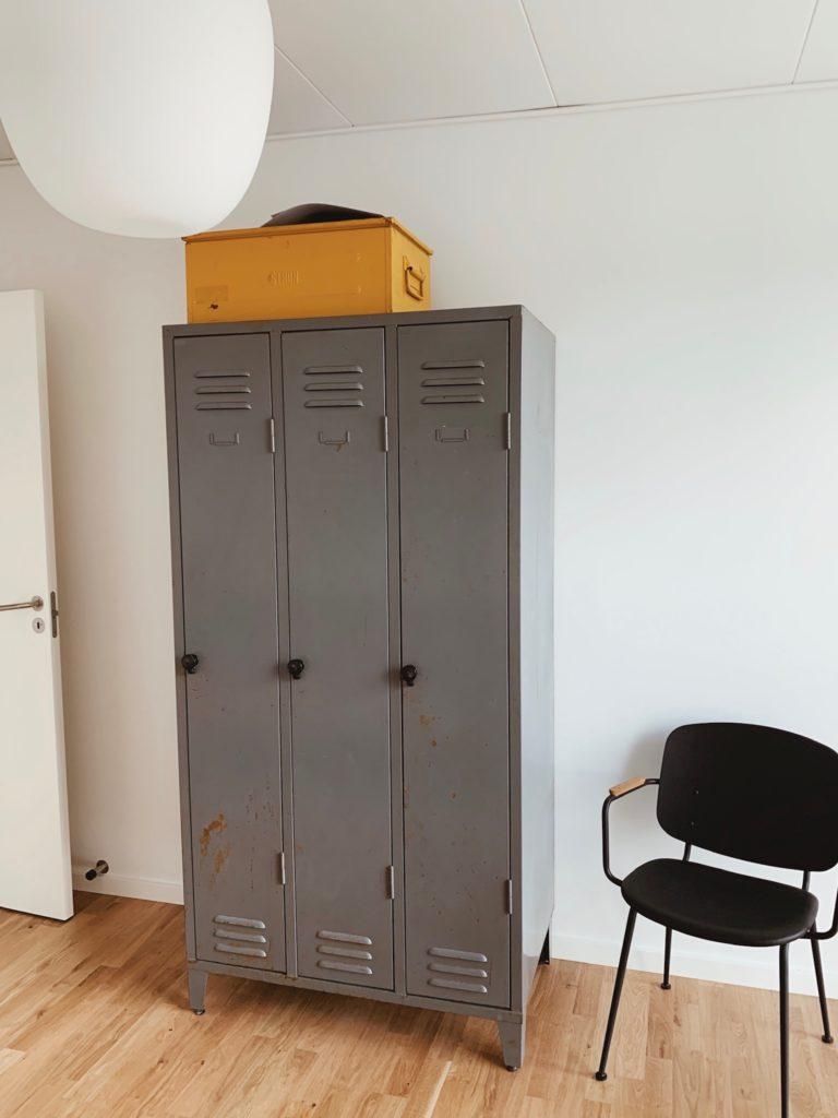 Indretning af <strong>kontor & gæsteværelse</strong> i nybyg - Nu med farve på væggen 7