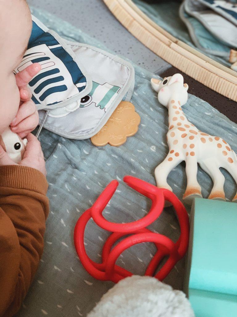 <strong>Legetøj og aktiviteter</strong> til baby 3-6 måneder 5