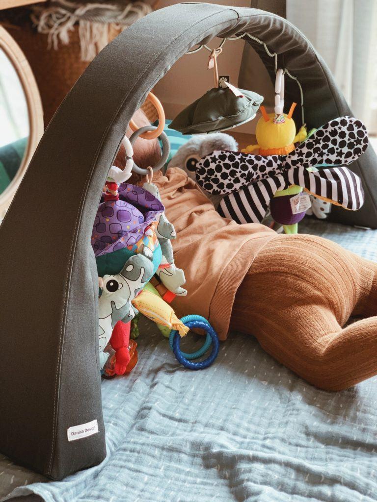 <strong>Legetøj og aktiviteter</strong> til baby 3-6 måneder 3
