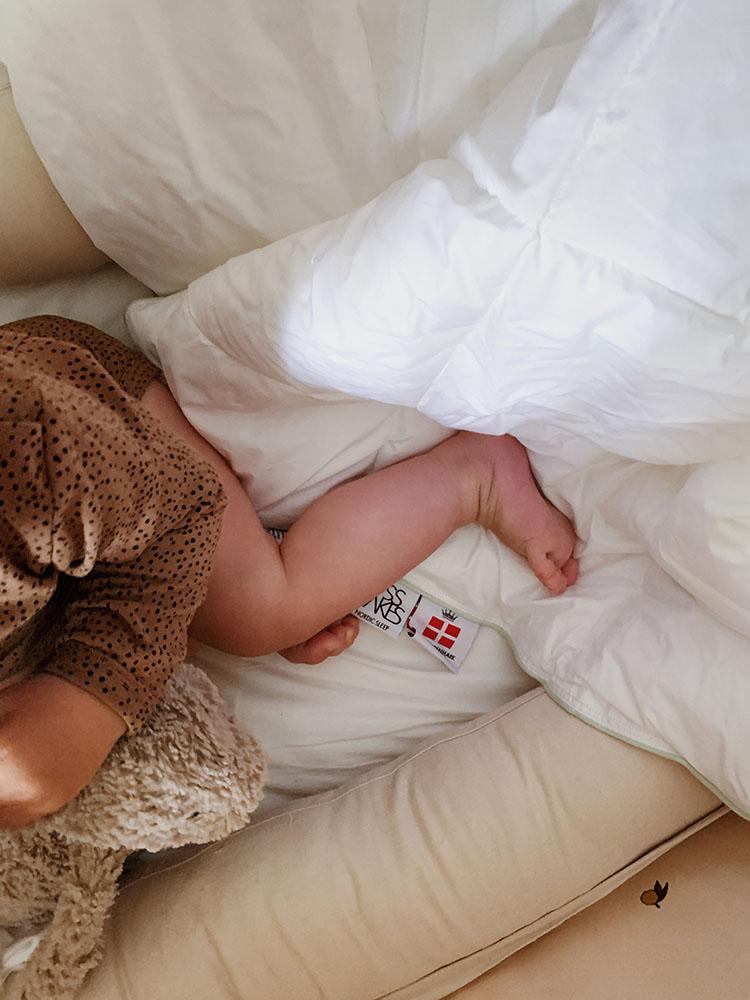 Ændring af <strong>babys søvnrutine</strong>: Slut med at vågne kl. 5 5