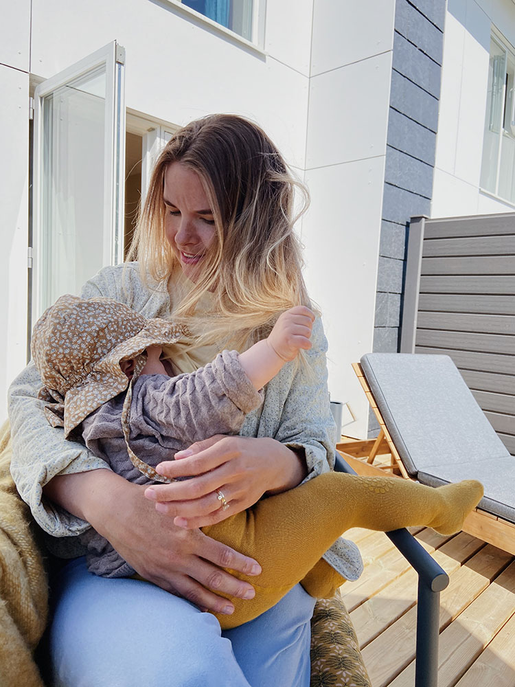 Baby <strong>10 måneder</strong>: Amning, måltider og døgnrytme 3
