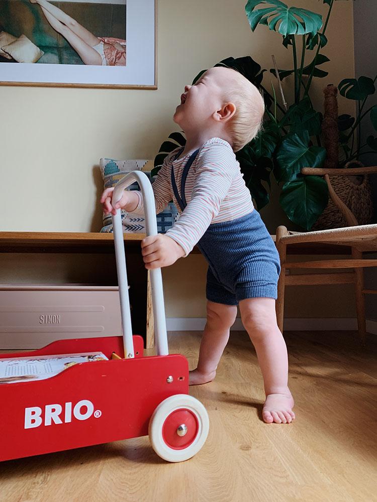 Baby 1 år: Status på <strong>amning, (ammestop?), søvnrytme og måltider</strong> 1